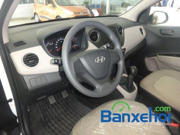 Cần bán xe Hyundai i10 Grand sản xuất 2015, màu trắng