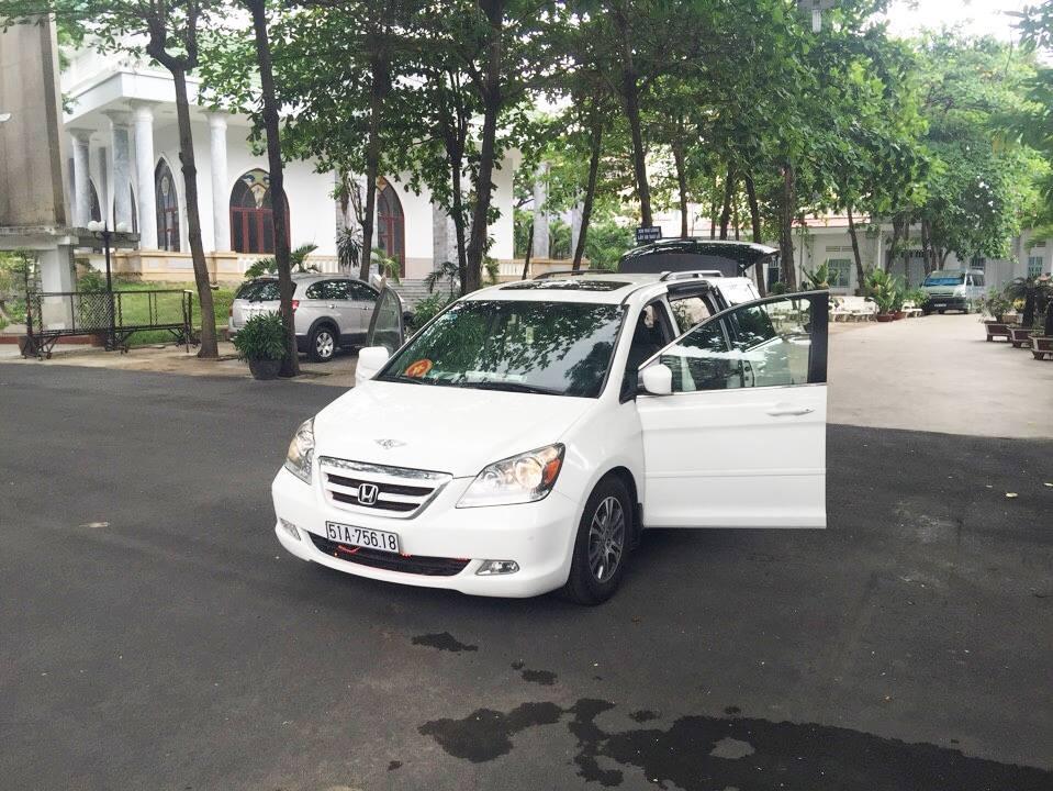 Chính chủ cần bán lại xe Honda Odyssey năm 2005, màu trắng
