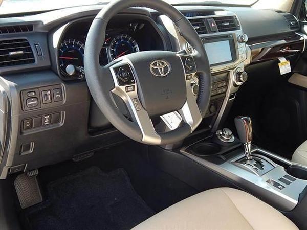 Bán ô tô Toyota 4 Runner 2017, màu trắng, nhập khẩu nguyên chiếc