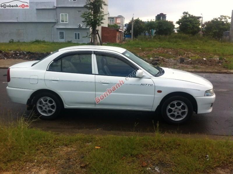 Cần bán lại xe Mitsubishi Lancer đời 2002, màu trắng, chính chủ