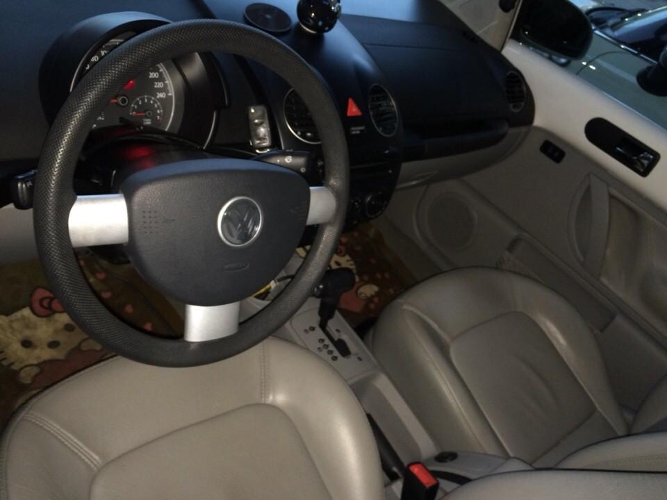 Volkswagen Beetle đời 2010, màu trắng, nhập khẩu chính hãng