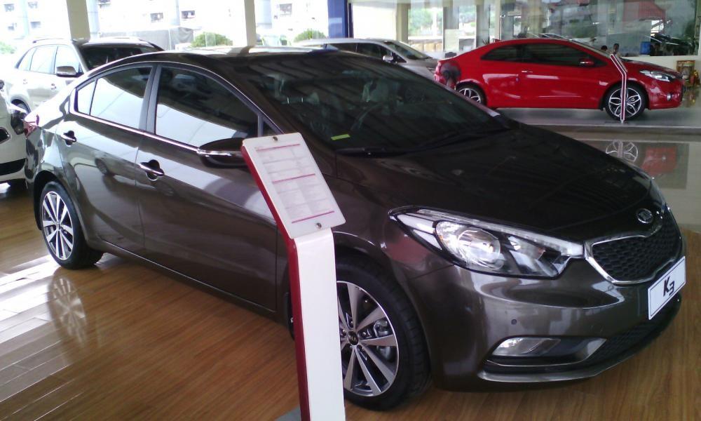 Cần bán xe Kia K3 đời 2015, màu nâu giá cạnh tranh