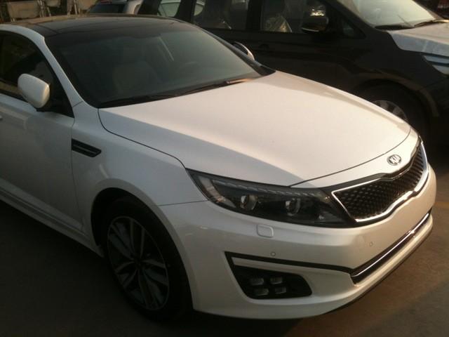 Bán ô tô Kia Optima 2015, màu trắng, nhập khẩu nguyên chiếc