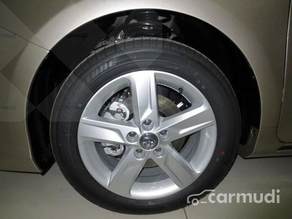 Bán ô tô Toyota Camry 2.5Q- AT, full option, mầu nâu vàng đời 2015, giá 1,292 tỉ