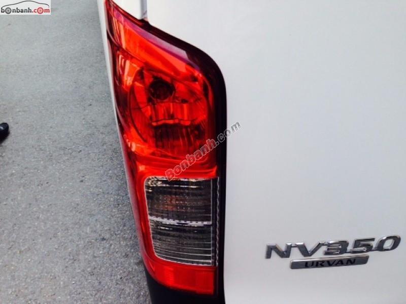 Cần bán Nissan Urvan sản xuất 2015, màu trắng, nhập khẩu nguyên chiếc