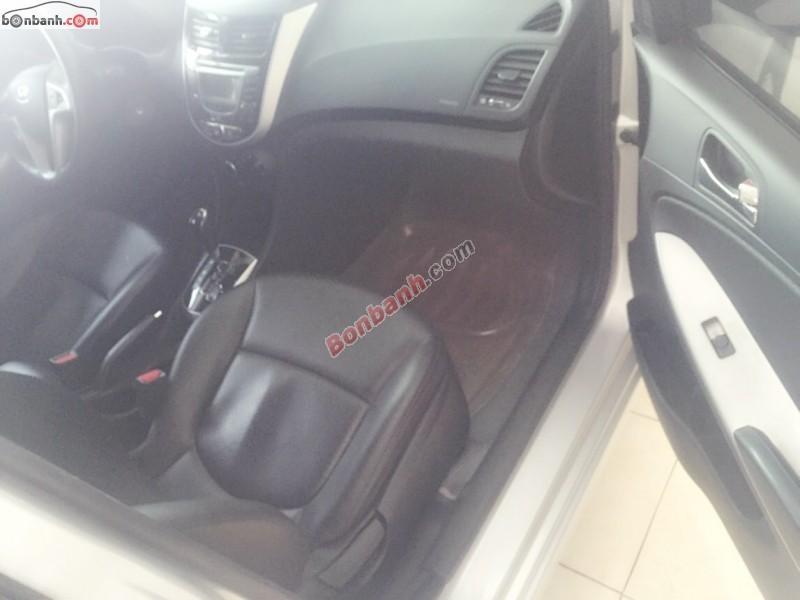 Salon Auto Linh Linh bán Hyundai Accent 1.4 AT đời 2011, màu bạc, nhập khẩu nguyên chiếc