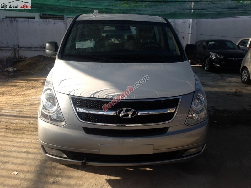 Bán ô tô Hyundai Starex đời 2015, màu bạc, nhập khẩu chính hãng