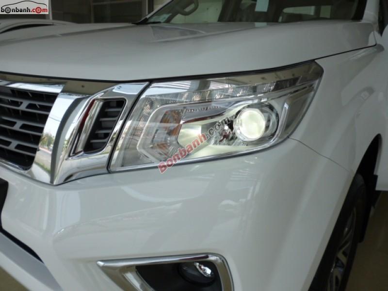Bán Nissan Navara NP300 sản xuất 2015, màu trắng, nhập khẩu nguyên chiếc