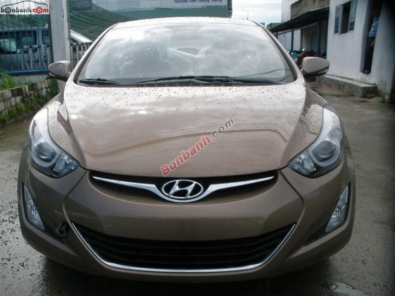 Cần bán xe Hyundai Elantra AT đời 2015, màu nâu, nhập khẩu chính hãng, 769 triệu