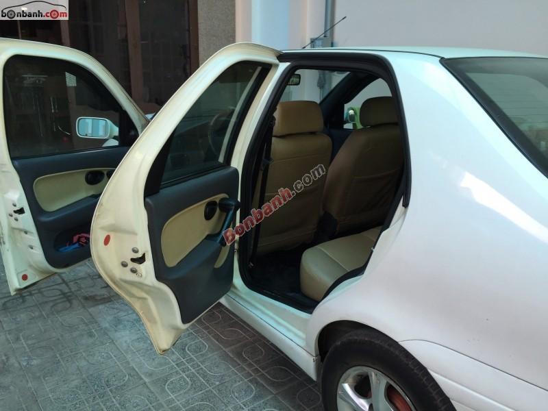 Cần bán Fiat Siena sản xuất 2003, màu trắng chính chủ, 155Tr