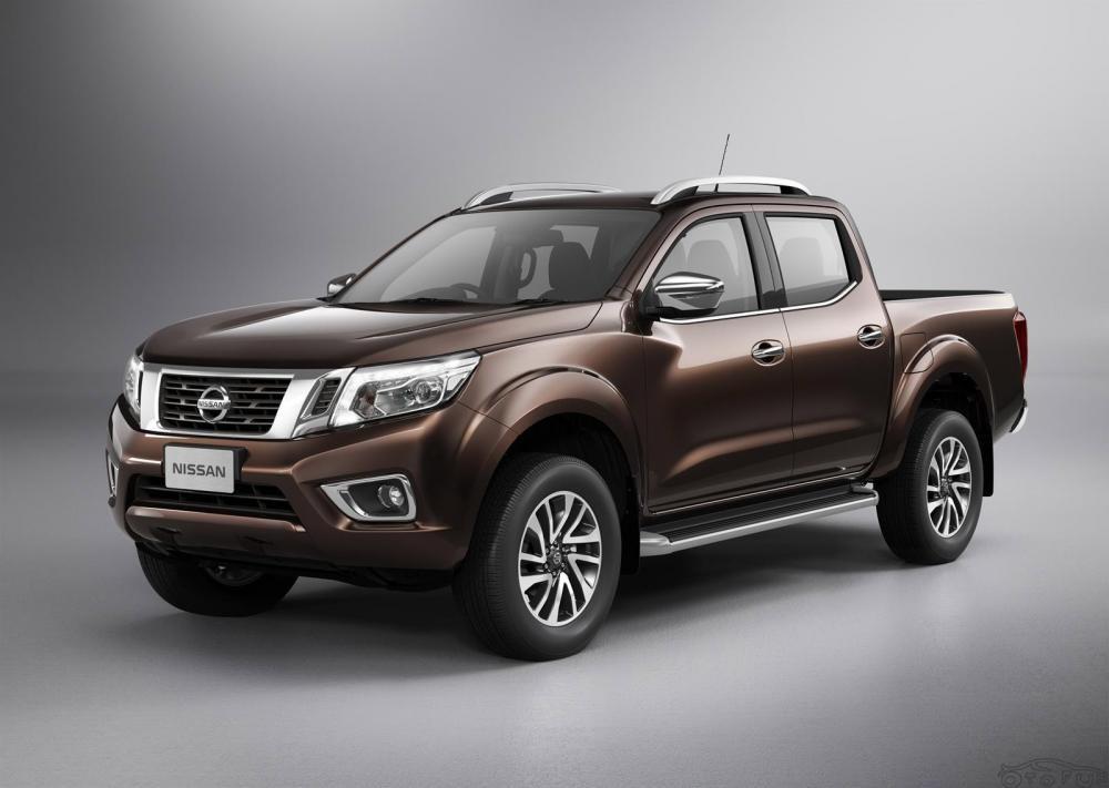 Khuyến mại cho xe Nissan Navara NP300 - Trang thiết bị nội ngoại thất tiện nghi hiện đại