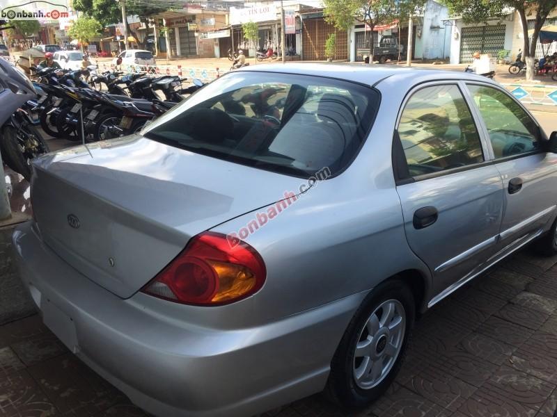 Cần bán gấp Kia Spectra 1.6 đời 2005, màu bạc, xe gia đình