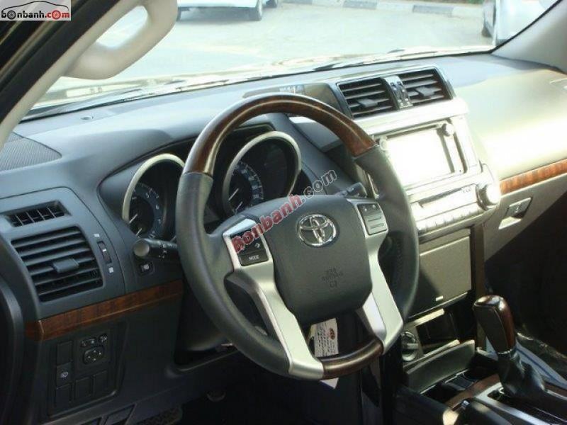 Bán xe Toyota Prado 2015, màu đen, xe nhập