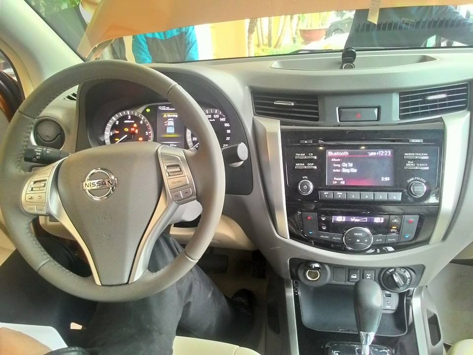 Bán Nissan Navara NP 300 VL đời 2014 - LH ngay 0969883186