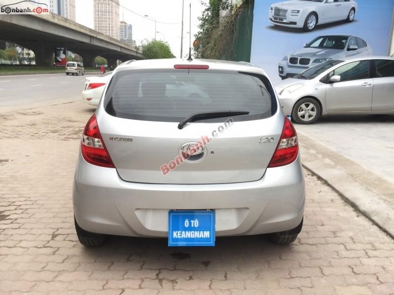 Bán Hyundai i20 1.4AT đời 2011, màu bạc, xe nhập chính chủ