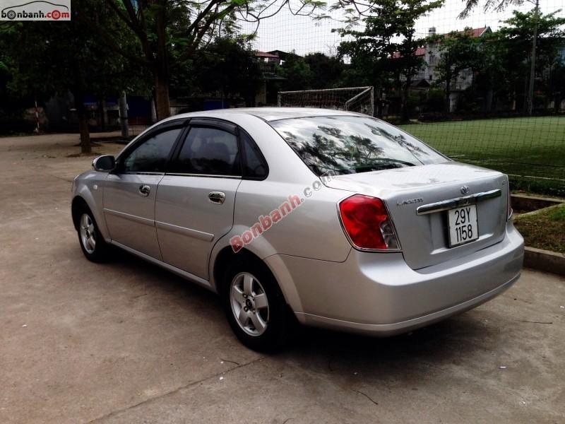 Cần bán gấp Daewoo Lacetti 2005, màu bạc, xe gia đình
