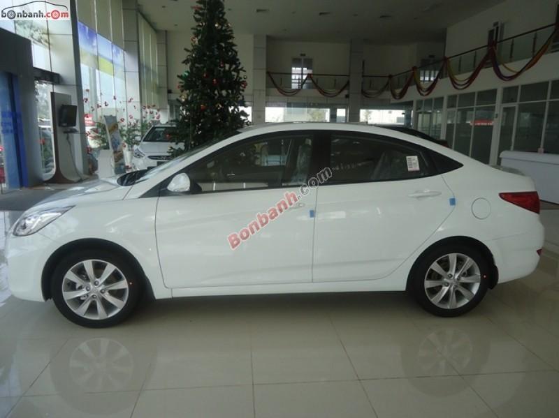 Cần bán Hyundai Accent 1.4MT đời 2015, màu trắng, nhập khẩu nguyên chiếc