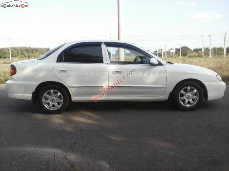 Cần bán xe Kia Spectra năm 2004, màu trắng, 175tr