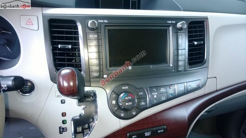 Bán Toyota Sienna 3.5 Limited đời 2012, màu bạc, nhập khẩu