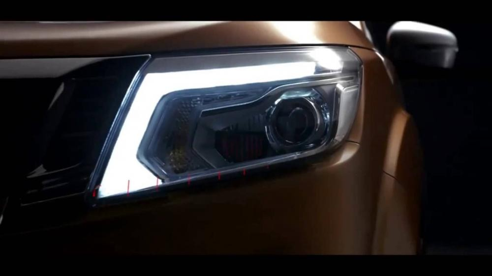 Bán xe Nissan Navara NP300 năm 2015, màu nâu, xe nhập