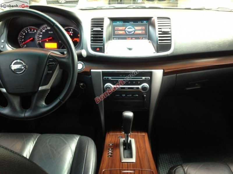 Cần bán lại xe Nissan Teana AT đời 2010, màu đen, nhập khẩu, giá 740Tr