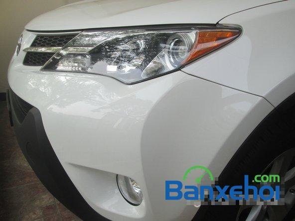 Toyota RAV4 2014, màu trắng, xe nhập, đã đi 9600 km