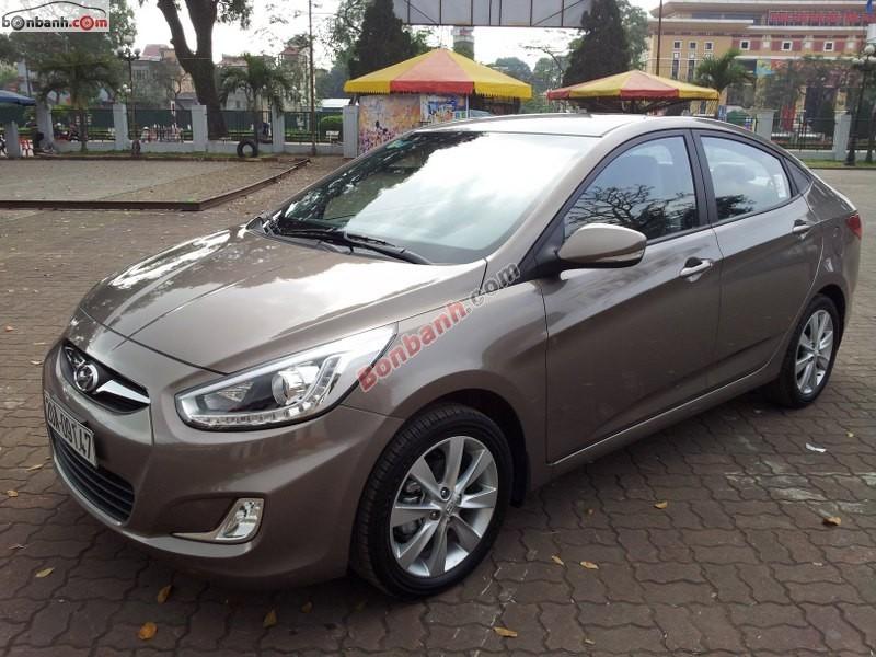 Cần bán gấp Hyundai Accent Blue đời 2014, màu nâu, nhập khẩu xe gia đình, giá 578Tr