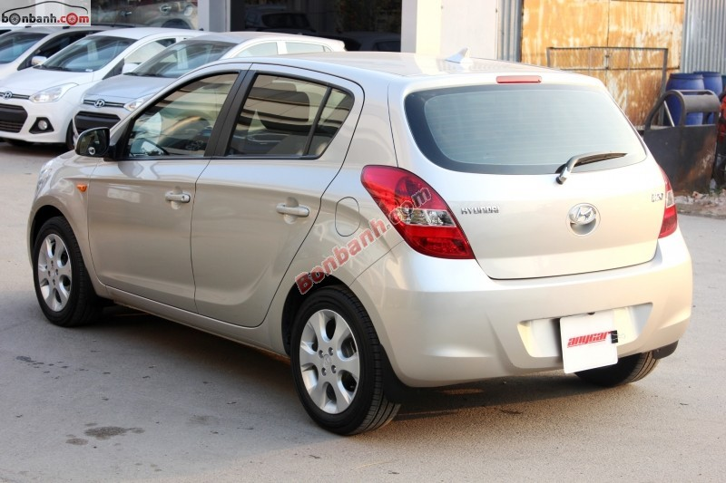 Xe Hyundai i20 AT đời 2011, màu hồng, nhập khẩu chính hãng số tự động cần bán
