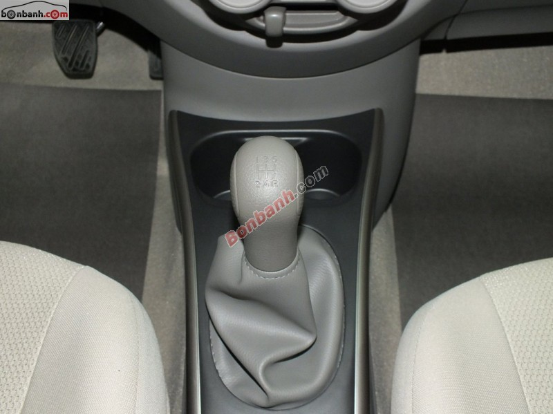 Bán Nissan Sunny 1.5 MT đời 2015, màu xám - LH ngay 0919 736 171