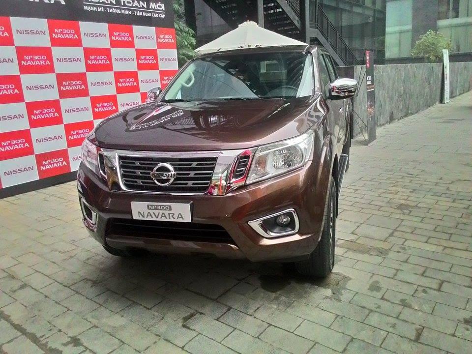 Cần bán xe Nissan Navara NP 300 SL đời 2015, màu nâu, xe nhập