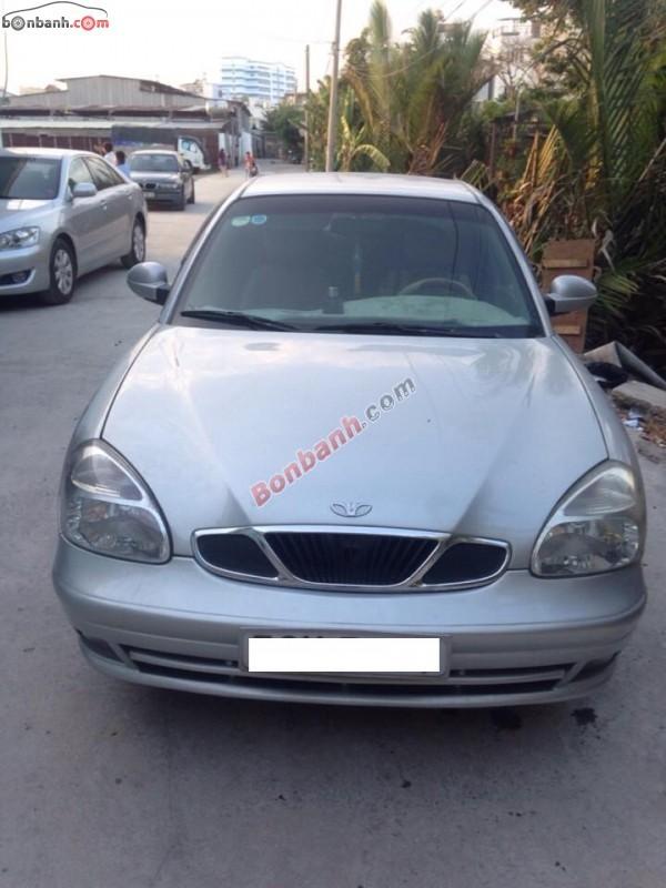 Cần bán xe Daewoo Nubira 2002, màu bạc, còn mới