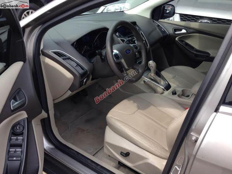 Cần bán lại xe Ford Focus 2.0AT đời 2014, màu xám, xe mới 99%
