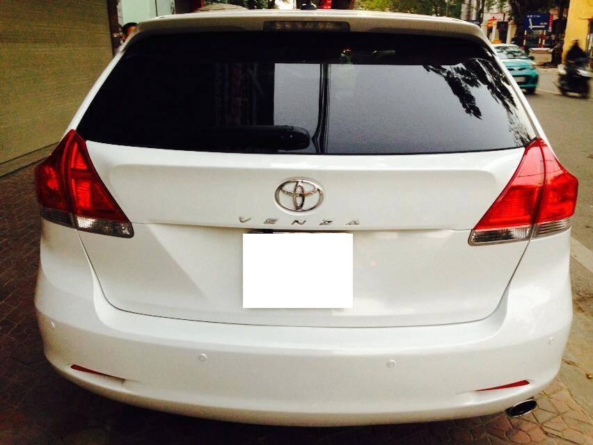 Bán ô tô Toyota Venza đời 2010, màu trắng, xe đẹp, full options