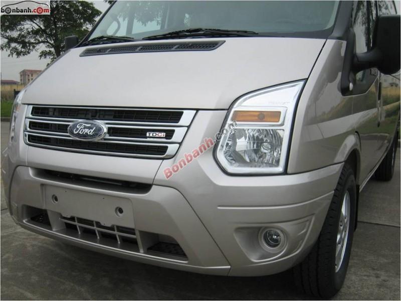 Cần bán xe Ford Transit MID đời 2015, màu bạc