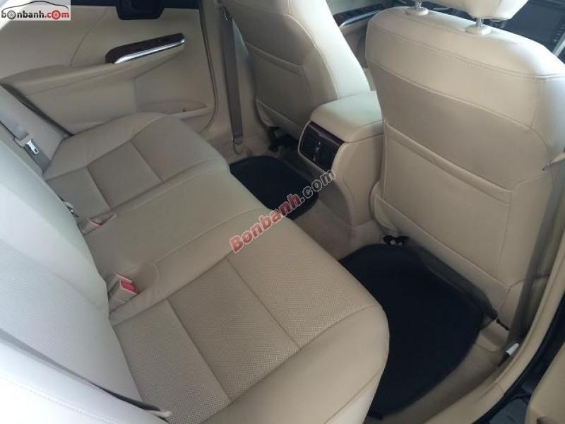 Mình cần bán xe Toyota Camry 2.0E 2014. Tay lái bọc da, chỉnh tay 04 hướng