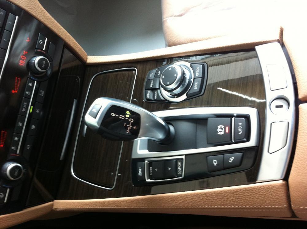 Cần bán xe BMW 730 Li 2016 nhập khẩu nguyên chiếc