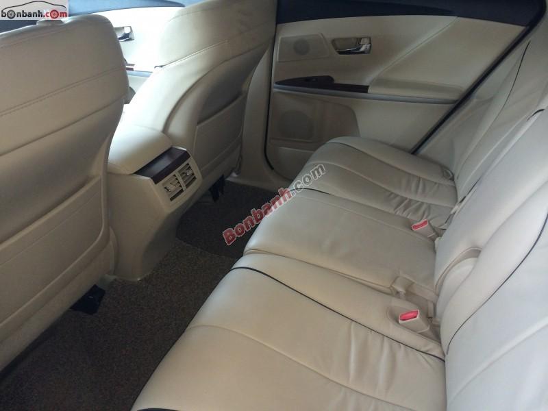 Cần bán Toyota Venza 2.7 AWD đời 2010, màu nâu, nhập khẩu chính hãng như mới
