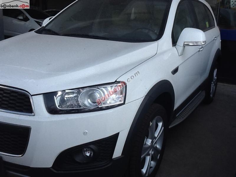Cần bán Chevrolet Captiva LTZ đời 2015, màu trắng, xe sang trọng bậc nhất