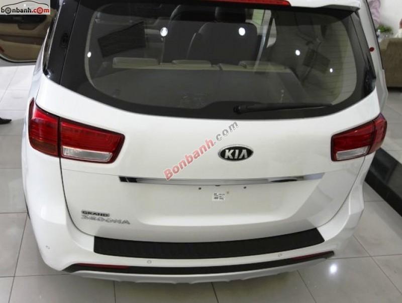 Bán ô tô Kia K Sedona GAT 3.3L đời 2015, màu trắng, nhập khẩu