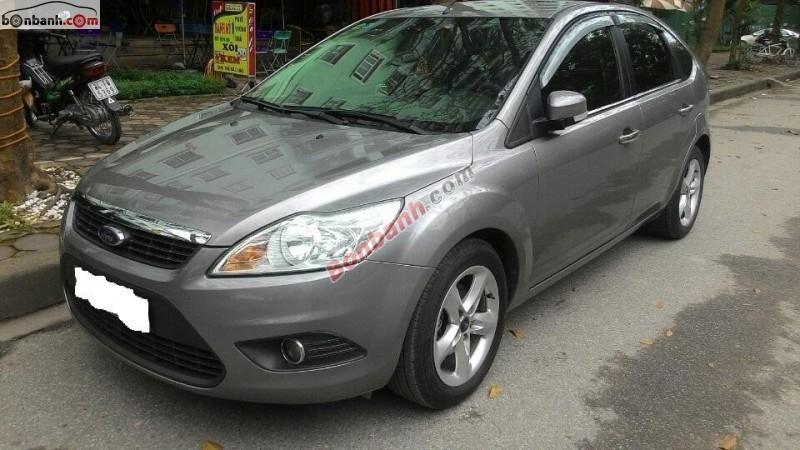 Cần bán lại xe Ford Focus AT đời 2011, màu xám, nhập khẩu chính hãng, số tự động