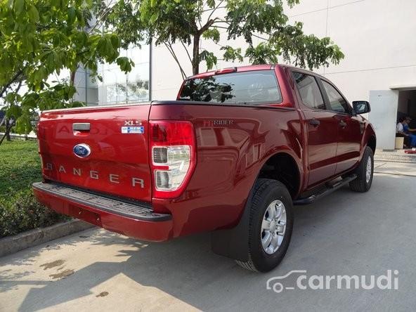 Bán Ford Ranger New XLS 2.2L 4x2 AT sản xuất 2015, màu đỏ giá tốt