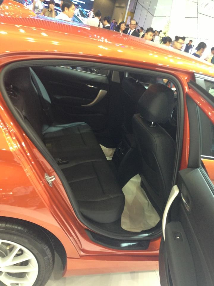 Bán BMW 1 Series 116i đời 2015, nhập khẩu, khuyến mại hấp dẫn