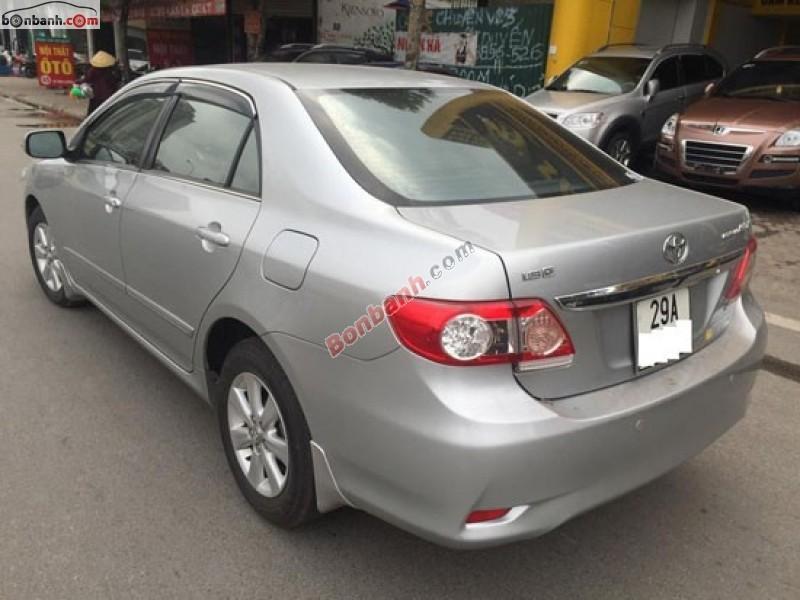 Cần bán Toyota Corolla Altis 1.8G sản xuất 2011, màu bạc số sàn, giá chỉ 675 triệu, xe còn rất mới