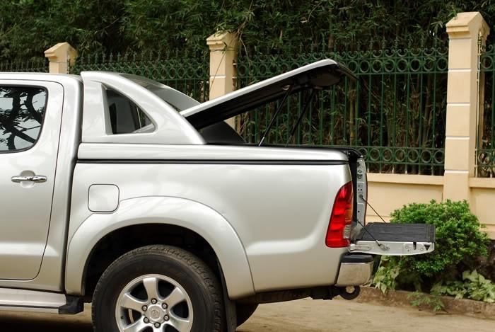 Bán ô tô Toyota Hilux G năm 2014, màu bạc, nhập khẩu nguyên chiếc, giá 750Tr