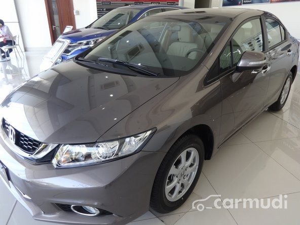 Cần bán xe Honda Civic đời 2015, màu xám bạc, giá rẻ