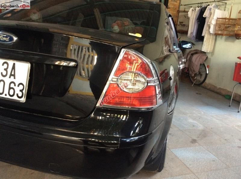 Cần bán xe Ford Focus đời 2007, màu đen chính chủ, giá bán 324 triệu