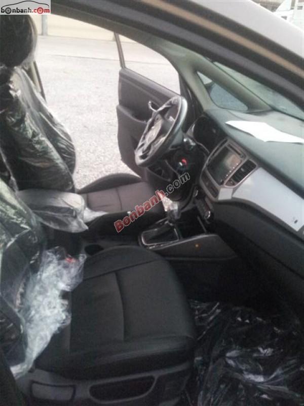 Cần bán xe Kia Rondo 2.0 Gath đời 2015, màu xám, giá chỉ 783 triệu