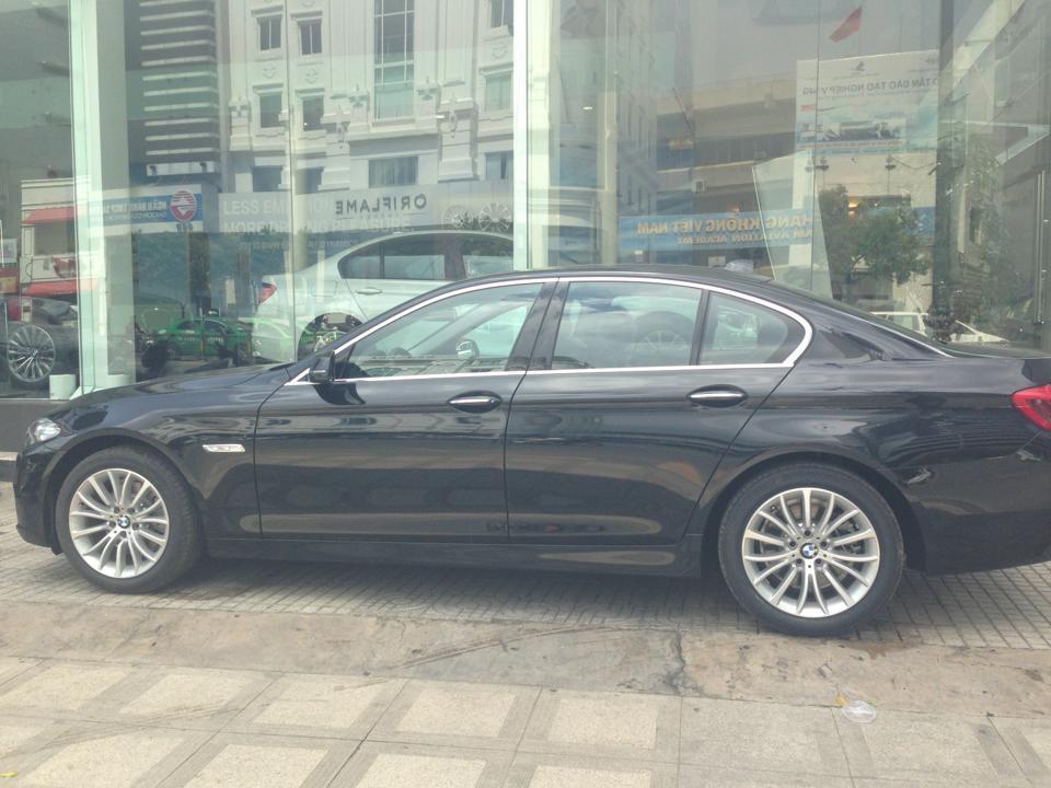 Cần bán BMW 5 Series 528i LCi đời 2015, màu đen, nhập khẩu nhanh tay liên hệ