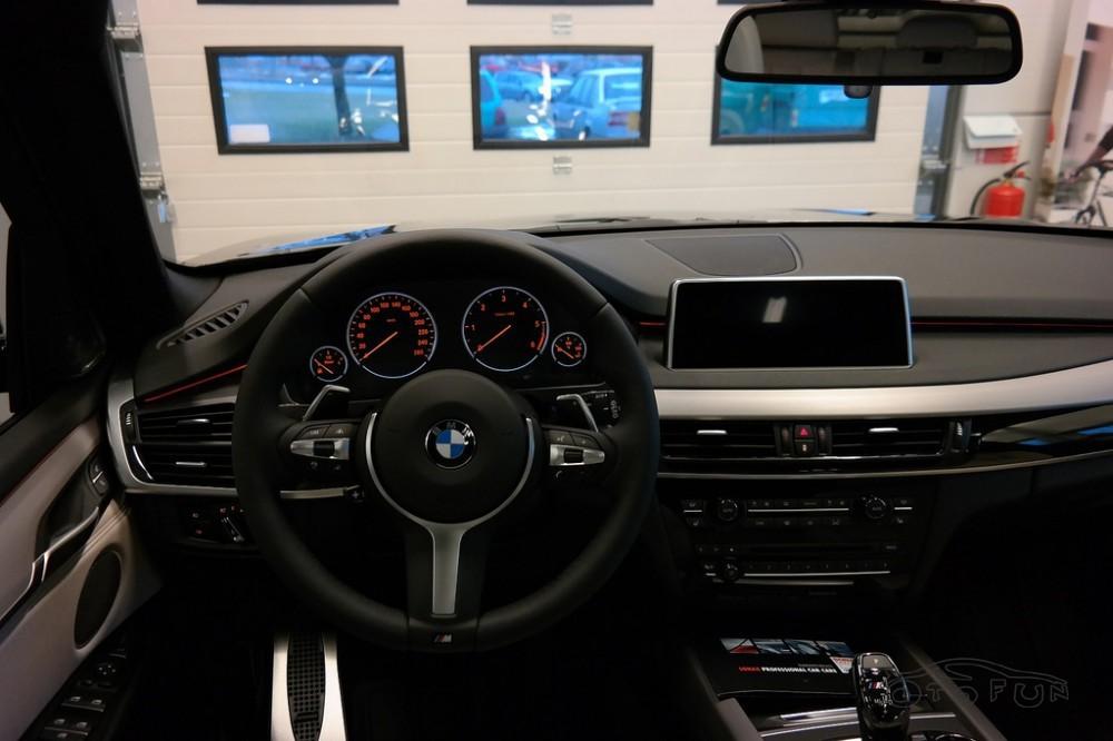 Bán BMW X5 xDrive 50i đời 2015, màu đen, khuyến mãi lớn khi mua xe
