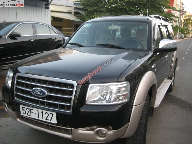 Cần bán xe Ford Everest đời 2008, màu đen, chính chủ